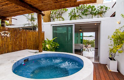 Playa Del Carmen Real Estate Listing | La Papaya Condos
