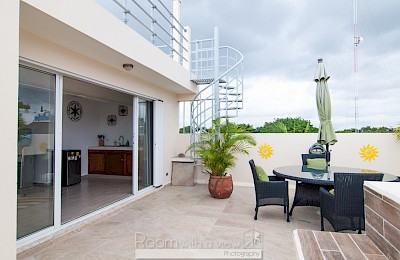 Playa Del Carmen Real Estate Listing | Arco Iris 5