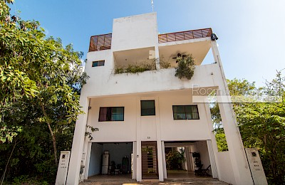 Playa Del Carmen Real Estate Listing | Plaza Las Américas Building